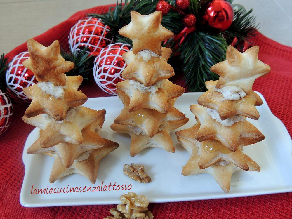 Alberelli Di Natale.Alberelli Di Pasta Sfoglia Ricotta Noci E Pere Senza Lattosio La Mia Cucina Senza Lattosio