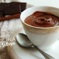 Mousse al cioccolato vegana