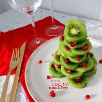 Albero di Natale di kiwi e melograno
